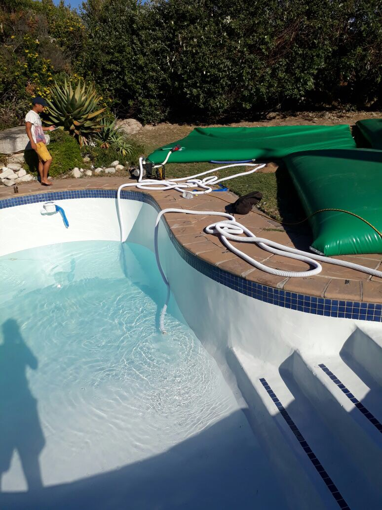 Water Storage For Pools - Save Your Pool Water Using Bladders